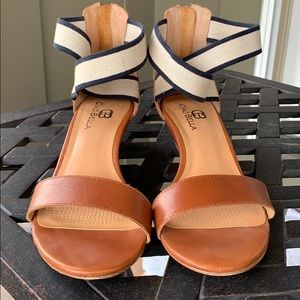 Leather wedge sandal in excellent condition!